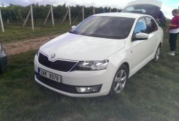 Otevření bílé Škoda Octavia