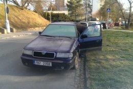 Otevření automobilu Škoda Felicia