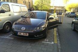 Otevření modelu Volkswagen Passat bez poškození
