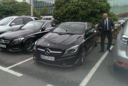 Nouzové otevření sedanu Mercedes-Benz Třída A